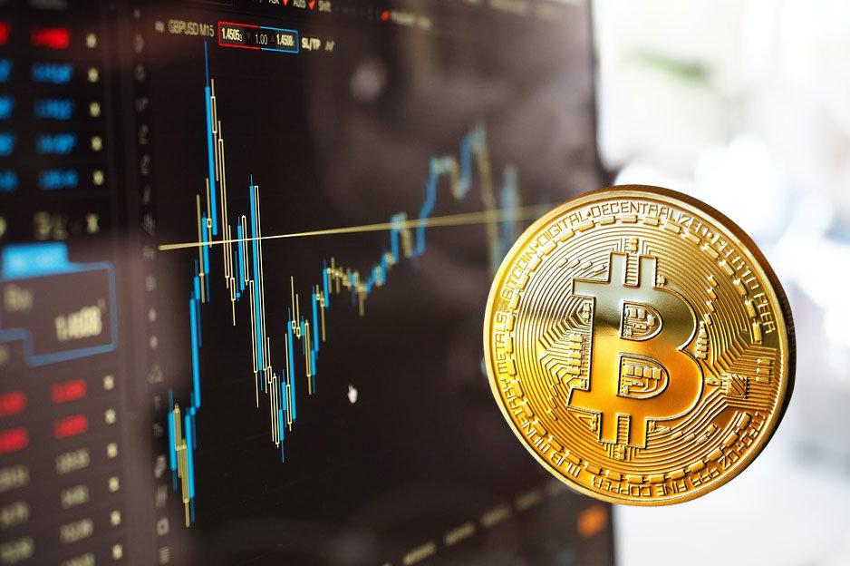 Bitcoin a pád